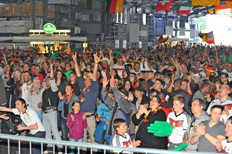 Public Viewing zum EM-Auftakt - Bilder - Tageblatt.de