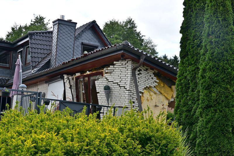 wohnhaus explodiert in harsefeld bilder. Black Bedroom Furniture Sets. Home Design Ideas